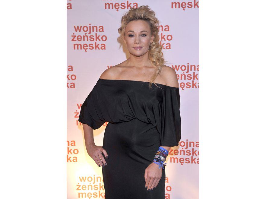 Sonia Bohosiewicz nadal ukrywa sylwetką pod luźnymi kreacjami. Luty 2011 roku