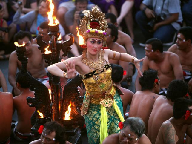 Taniec Kecak w świątyni Uluwatu