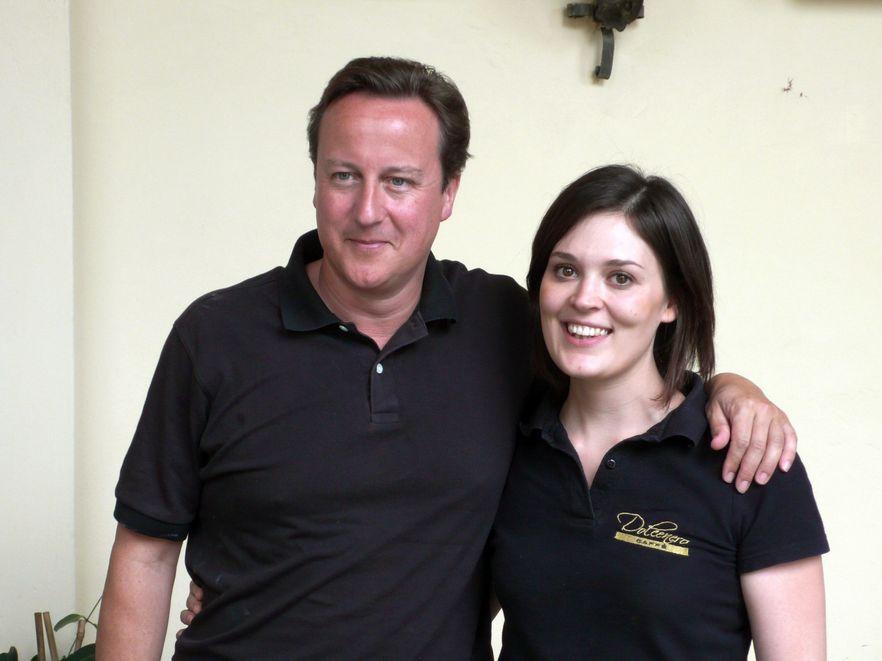 Cameron wrócił do baru, w którym został obcesowo potraktowany