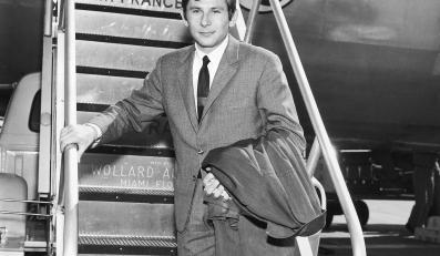 """Roman Polański w 1963 roku (właśie przyleciał do Stanów, by pokazać """"Nóż w wodzie"""" na Nowojorskim Festiwalu Filmowym)"""