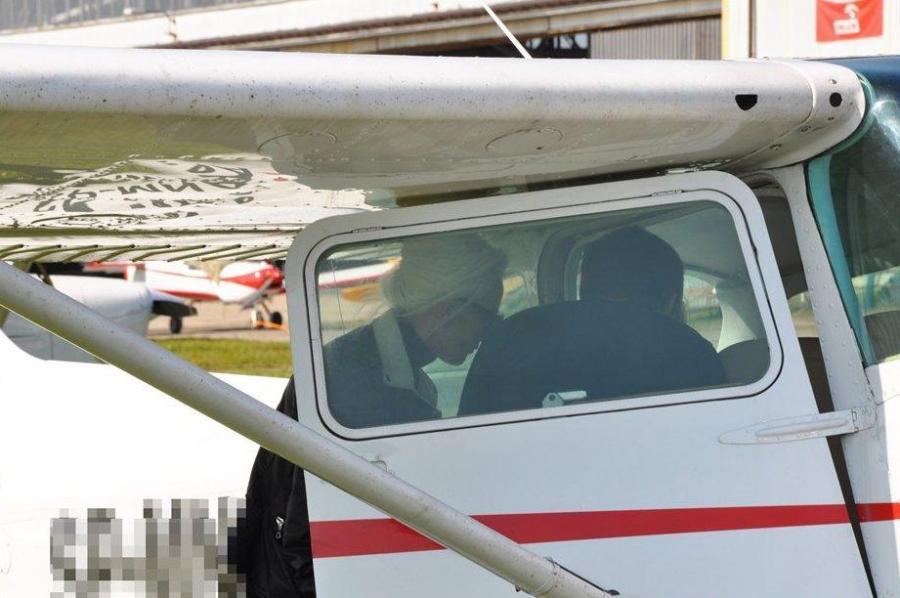 Kora na lekcji pilotażu/archiwum prywatne