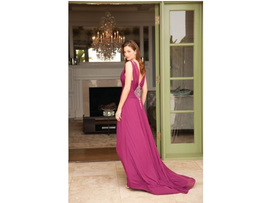 Poczuj się jak na czerwonym dywanie - suknie Adrianny Papell na sezon jesień/zima 2011/2012.