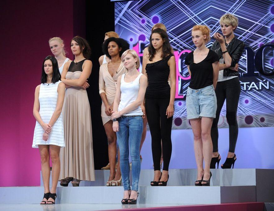 Uczestniczki show muszą uodpornić się na ostre komentarze jury.