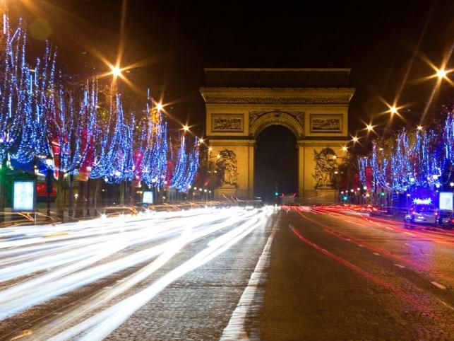 Paryż - Champs-Élysées przed Bożym Narodzeniem
