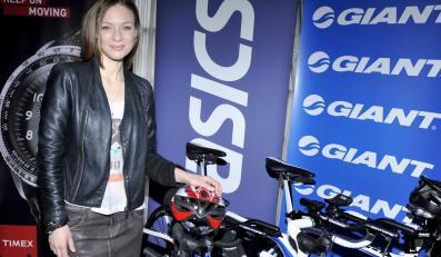 Magdalena Boczarska przygotowuje się do udzialłu w triathlonie.