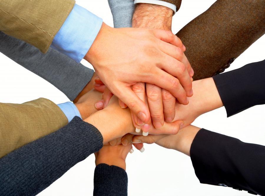 Skromność cechuje osoby, które chętnie pomagają innym