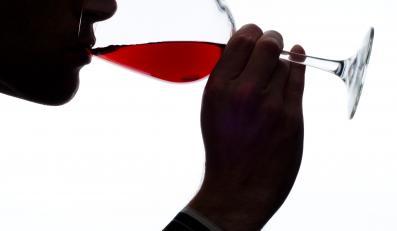 Ilość wypitego wina zależy od kieliszka