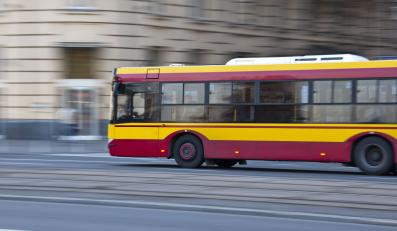 Autobus w Warszawie - zdjęcie ilustracyjne