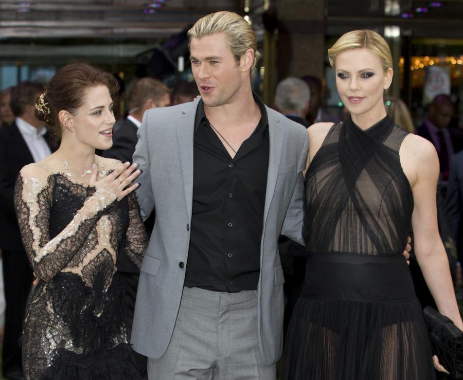 Kristen Stewart i Charlize Theron na premieze w Londynie