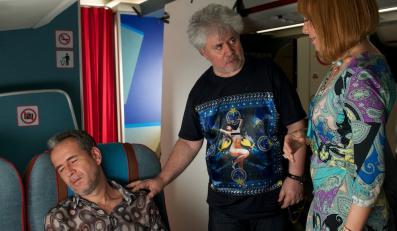 """Pedro Almodóvar na planie fimu """"Przelotni kochankowie"""""""
