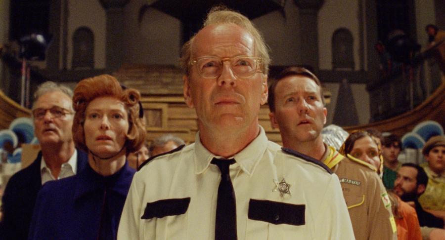 """Tilda Swinton, Bruce Willis i Edward Norton w filmie """"Kochankowie z Księżyca. Moonrise Kingdom"""""""