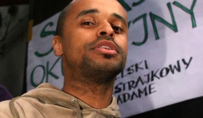 Krystian Legierski ma sposób na polityków