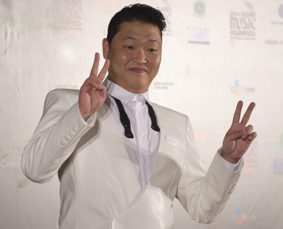 PSY na konferencji prasowej Korean Music Awards