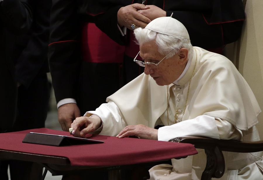 Benedykt XVI tweetuje