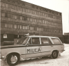 Fiat 125p kombi w mundurze milicji