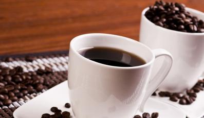 Gwiazdy lansują się z kubkiem kawy