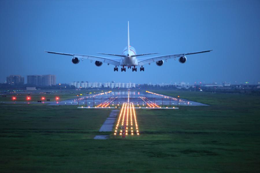 samolot lotnisko pasażerski lądowanie