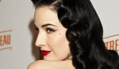 "Dita von Teese wystąpiła w klipie do ""Up In The Air"""
