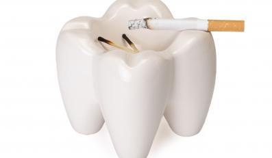 Papierosy szkodzą na zęby