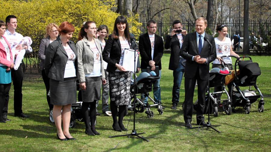 Donald Tusk i matki pierwszego kwartału
