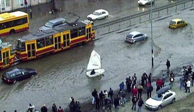 Galeria MEMów o powodzi w Warszawie