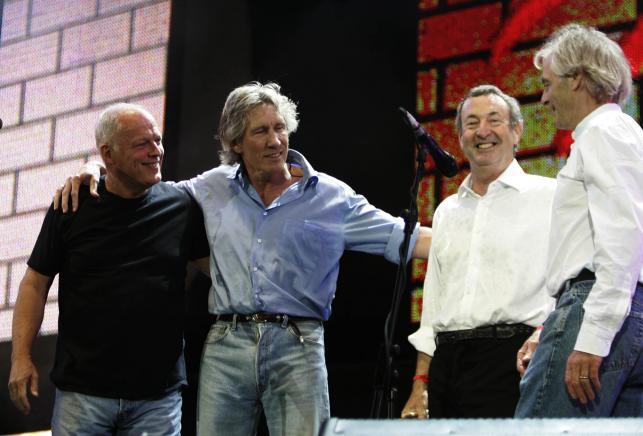 """Muzycy Pink Floyd na koncercie """"Live 8"""" w 2005 roku"""
