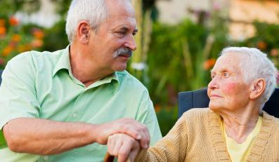 Seniorzy: babcia i dziadek
