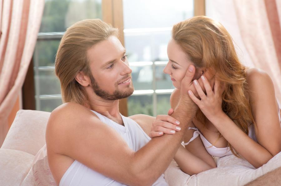 Z kim kobiety najczęściej zdradzają stałego partnera?