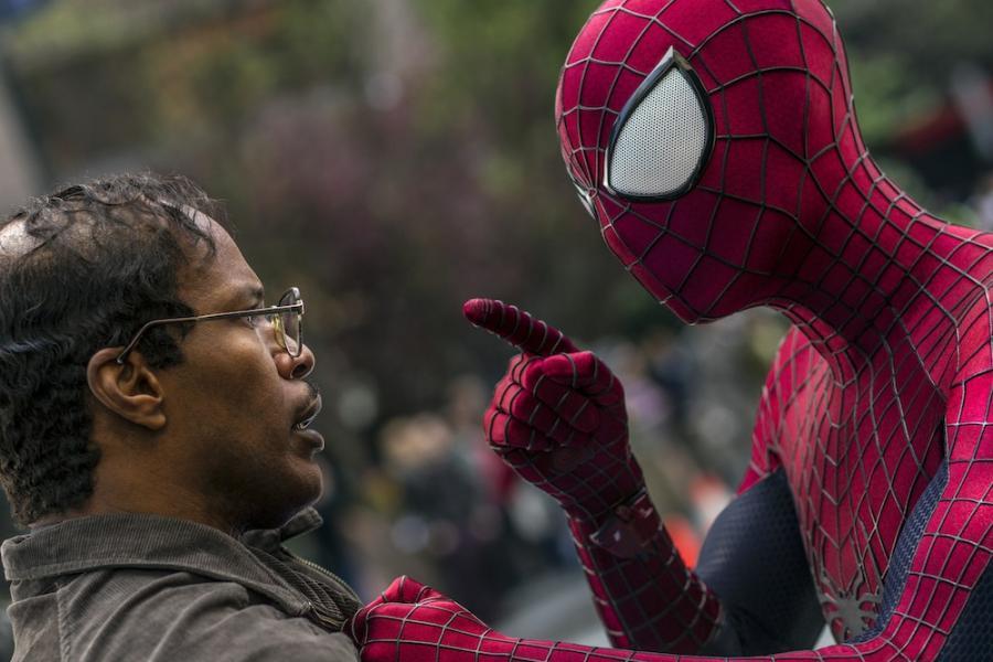 """Jamie Foxx i Andrew Garfield w filmie """"Niesamowity Spider-Man 2"""""""