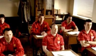 Ci piłkarze Manchesteru wrócili do szkoły