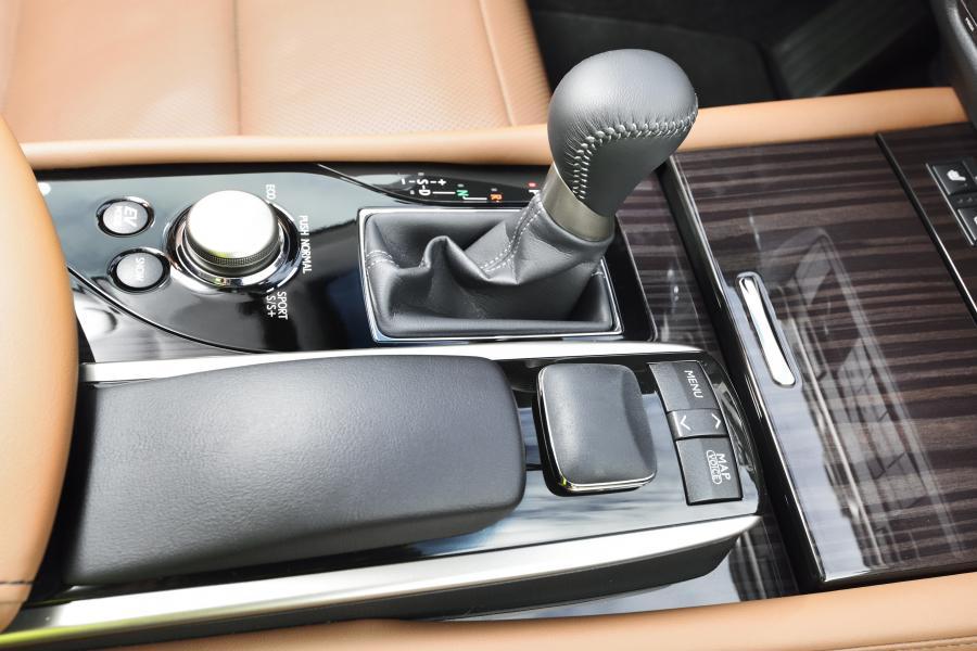 Lexus GS 300h - zdjęcie poglądowe