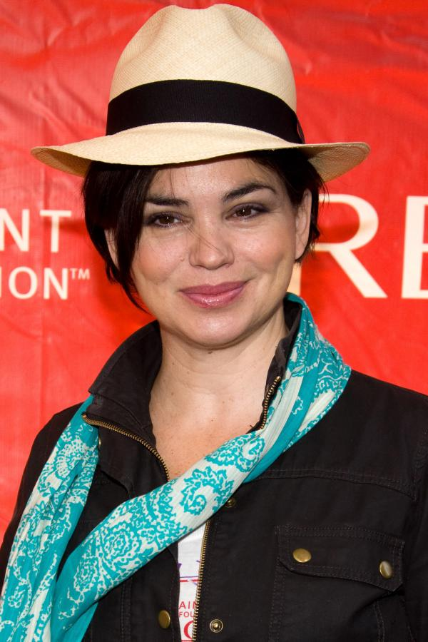 Karen Duffy – kolejna była George'a Clooney'a