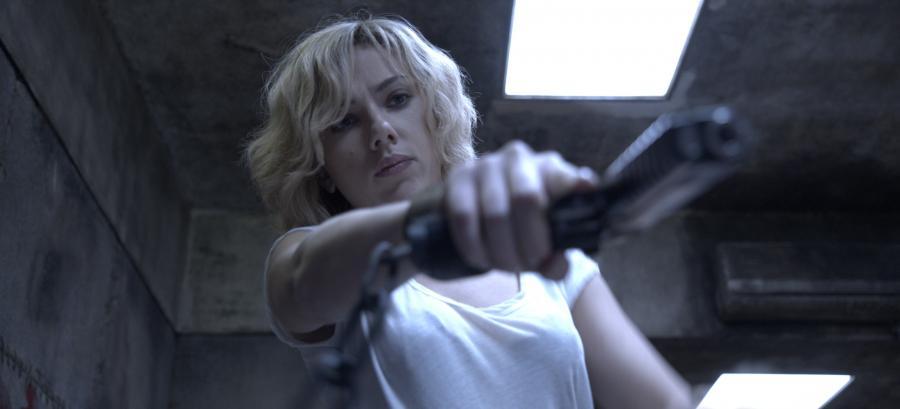 Scarlett Johansson jako Lucy