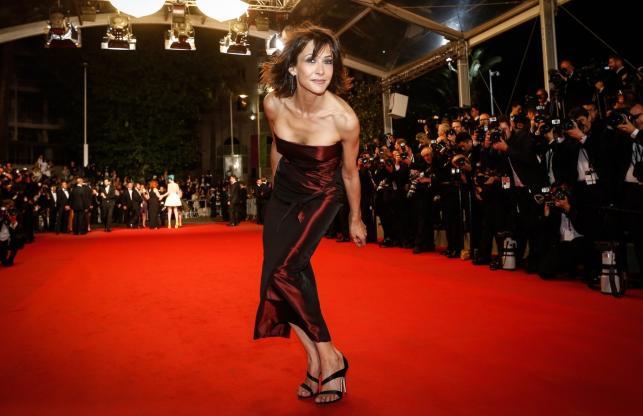 Sophie Marceau rozbawiona na czerwonym dywanie