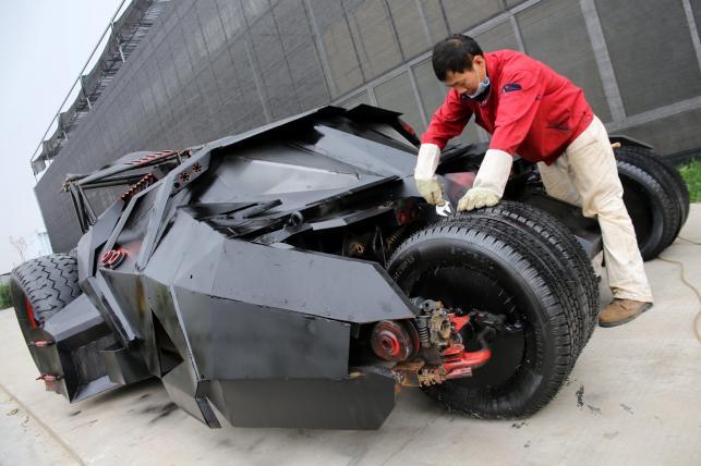 Chińczyk, Li Weilei zbudował batmobil