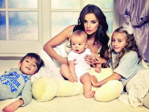 Anna Przybylska z dziećmi