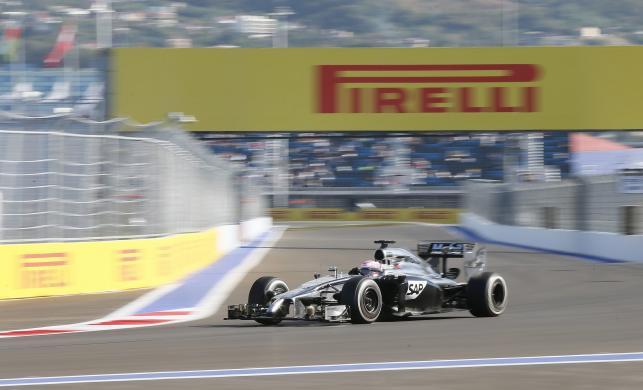 Kierowcy Formuły 1 trenują na torze w Soczi