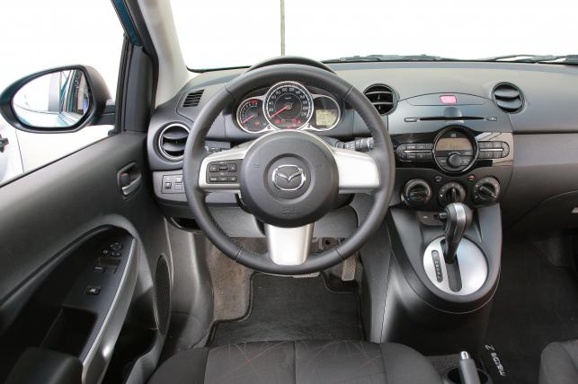 Mazda 2 - najmniej usterkowe używane auto segmentu B wg TUV 2015