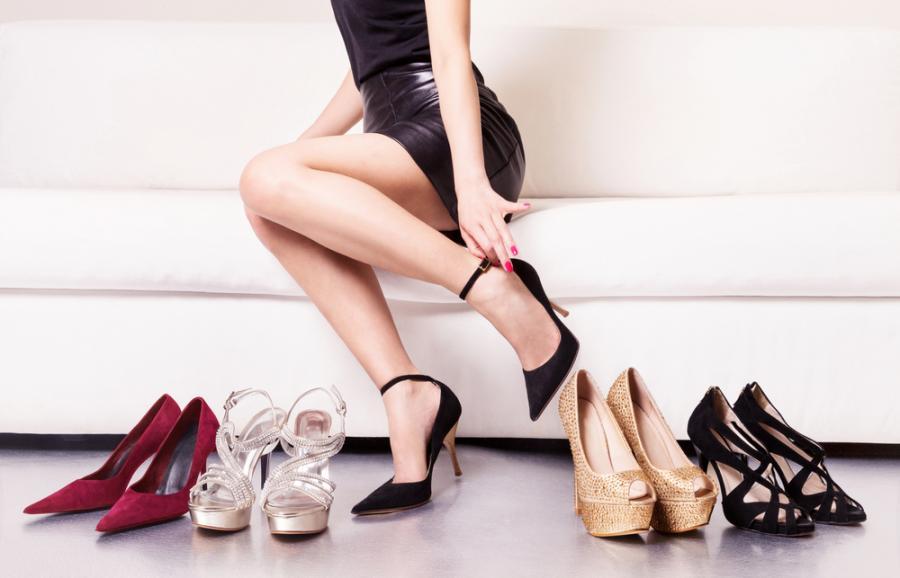 Zakupy w sklepie obuwniczym