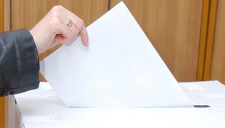Nowy sondaż wyborczy. Notowania PO w dół