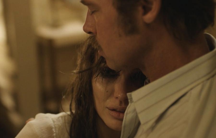 Brad Pitt i Angelina Jolie razem nad morzem