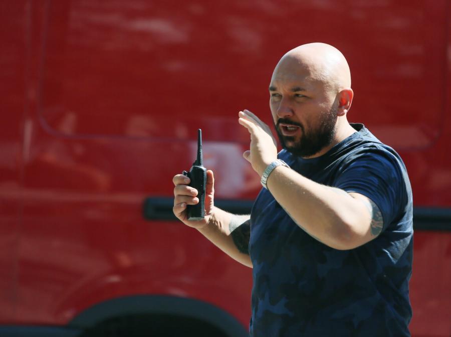 """Reżyser Patryk Vega na planie filmu """"Pitbull. Nowe porządki"""""""