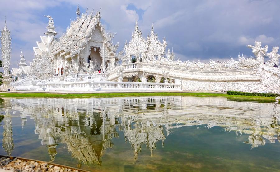 Świątynia Wat Rong Khun, czyli Biała Świątynia w Tajlandii