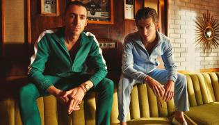 "The Last Shadow Puppets wydaje ""Everything You've Come to Expect"""