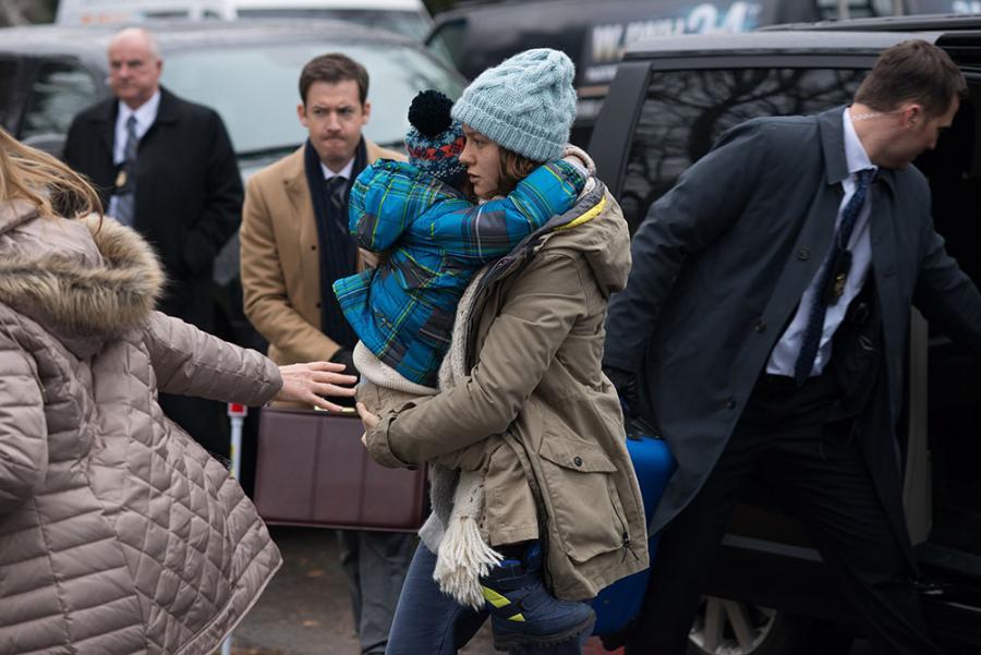 """Brie Larson i Jacob Tremblay w filmie """"Pokój"""""""