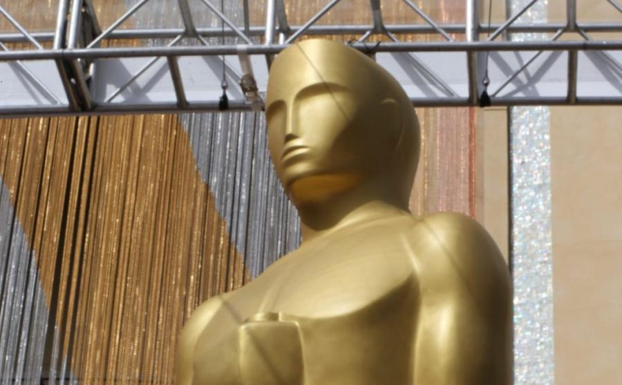 Oscary 2016 - statuetka przed wejściem do Dolby Theatre