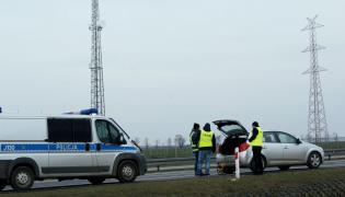 Oględziny na autostradzie A4 w okolicach Lewina Brzeskiego