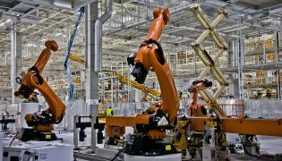 Blisko 500 robotów najnowszej generacji zajmie się łączeniem poszczególnych elementów nowego craftera