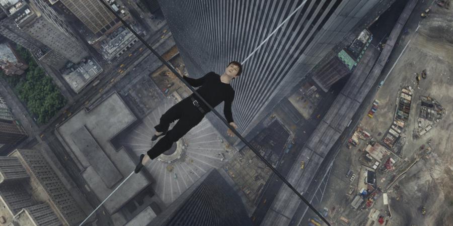 Joseph Gordon-Levit jako człowiek na linie