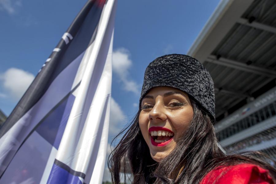 """Piękne Rosjanki i Putin dodatkową """"atrakcją"""" Grand Prix Formuły 1 w Soczi."""